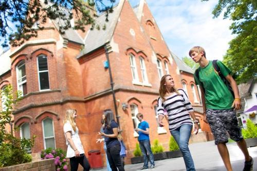 mladost-turist-skole-stranih-jezika-u-inostranstvu