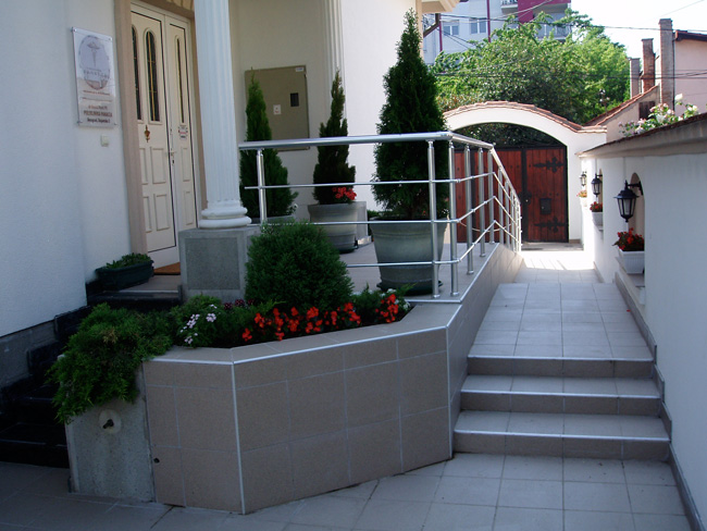 Poliklinika Panacea, Poliklinike Beograd, neurologija i endokrinologija
