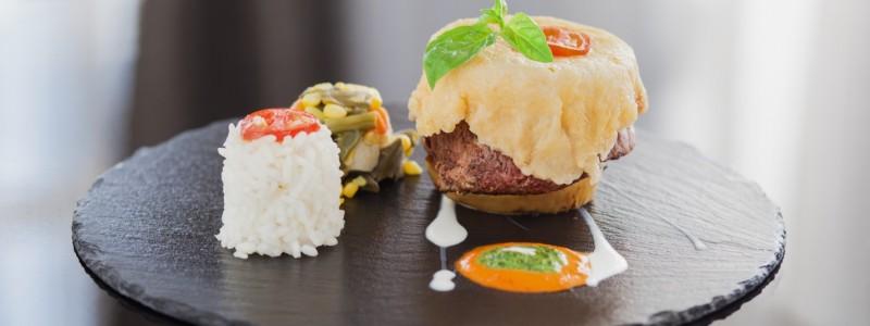 biftek-u-korici-od-krispi-parmezana-afeliu