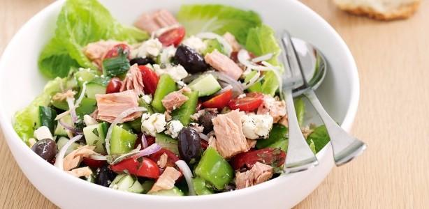 mediteranska-salata-sa-tunjevinom