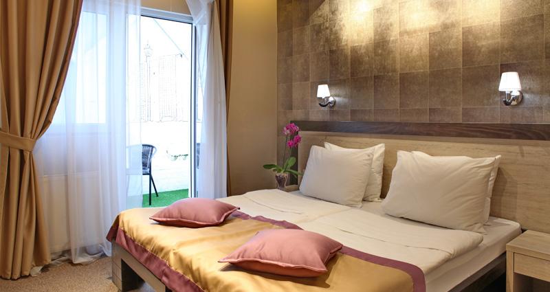 Hotel Vozarev, Hoteli Beograd, soba sa terasom