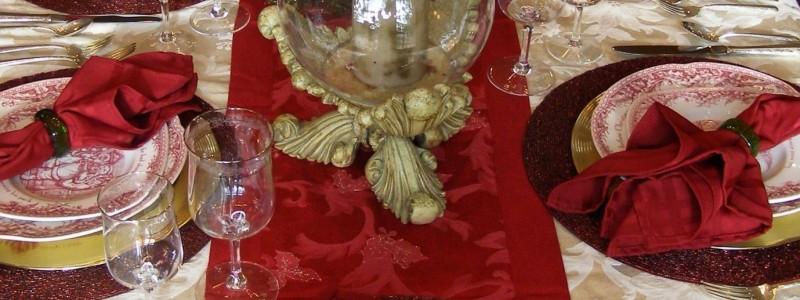 praznicna-carolija-na-stolu-cover