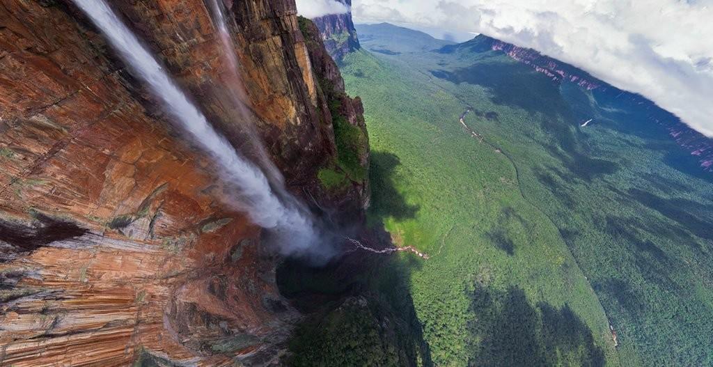 najvisi-vodopad-na-svetu-1